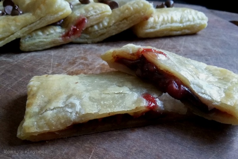 Easy Chocolate Strawberry Hand Pies Recipe ~ Mommy's Playbook